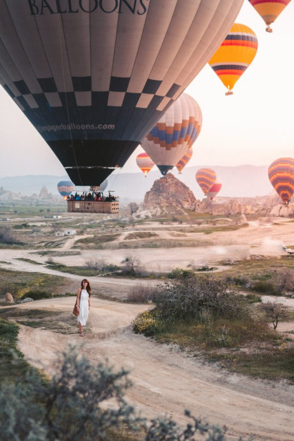 Frau Wüste Heißluftballons